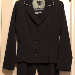 My Michelle, Size 8, Black Pant Suit